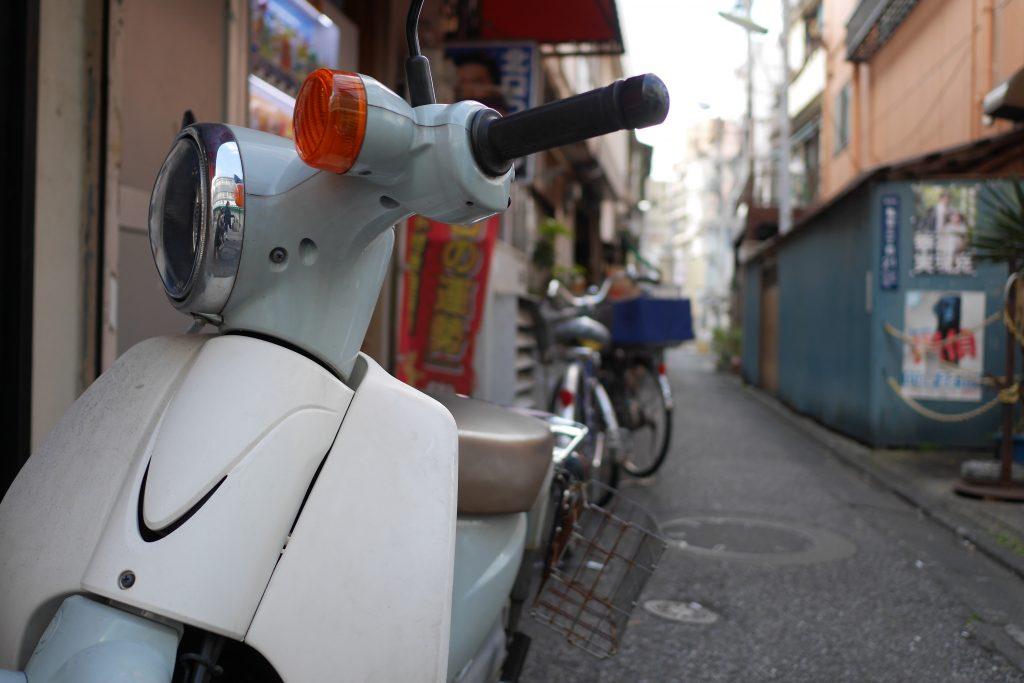 街中のバイク。なんか雰囲気で載せている